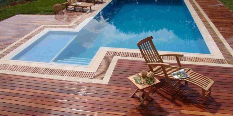 deck-de-madera-en-piscina-1024x768